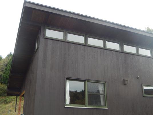 新築住宅の木製サッシ