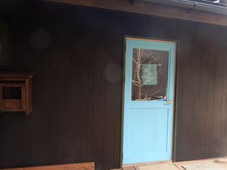 のらちん工房の木製サッシ、ドア
