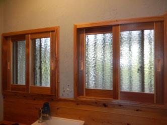 のらちん工房の木製サッシ、木製ペアガラス窓